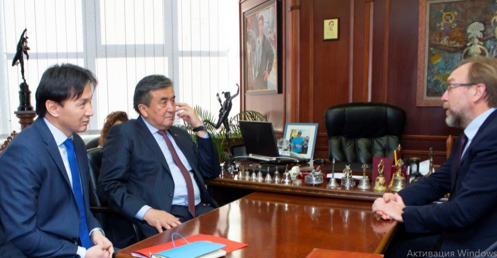 On February 7, 2019, the Ambassador Extraordinary and Plenipotentiary of the Kyrgyz Republic in Ukraine Zh.Sharipov met with the President of the Ukrainian Chamber of Commerce and Industry G. Chizhikov.