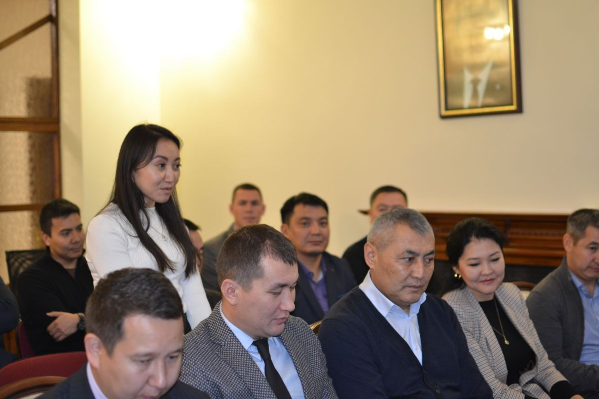 On November 21, 2019, the Ambassador Extraordinary and Plenipotentiary of the Kyrgyz Republic to Ukraine Sharipov Zhusupbek Sharipovich met with the Kyrgyz contingent at the OSCE Special Monitoring Mission in Ukraine at the Embassy of the Kyrgyz Republic in Ukraine.