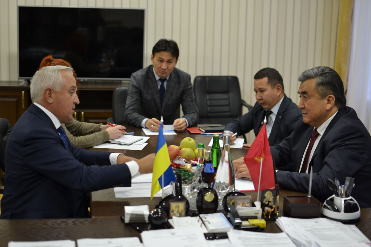 On November 27, 2019, at the initiative of the Embassy of the Kyrgyz Republic, a meeting was held between the Extraordinary and Plenipotentiary Ambassador of the Kyrgyz Republic in Ukraine Zh. Sharipov and the President of the National Academy of Agrarian Sciences of Ukraine Y. Gadzalo.